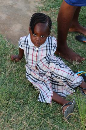 Sambia Frauenhaus Kind
